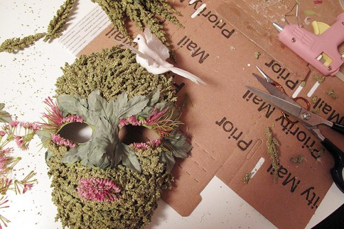 how to make a sawdust and glue mask
