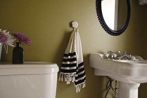 The Basement Half-Bathroom – Making it Lovely