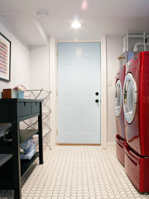 Making it Lovely's Laundry Room