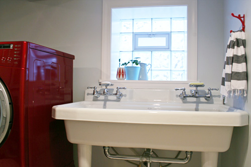 Large Utility Sink in the Laundry Room