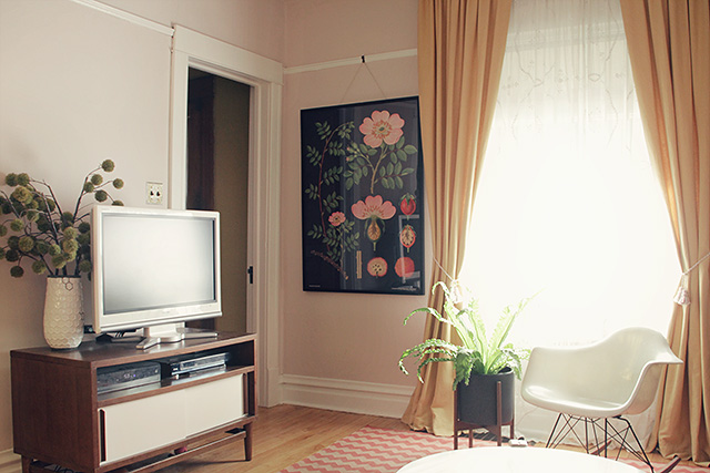 Making it Lovely's Living Room with a Large Botanical Print