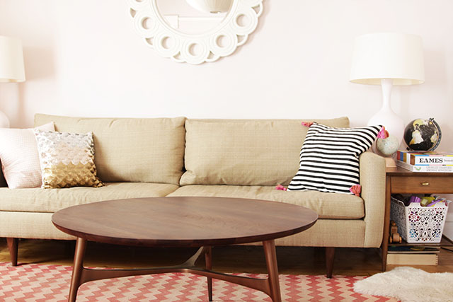 Captivating Pink Rugs: The Choice Of Design Bloggers. Wood Coffee Table In The Living  Room Part 30