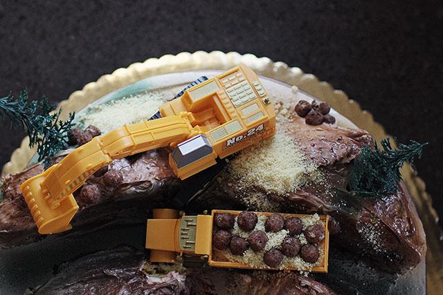 Construction Equipment Birthday Party Cake