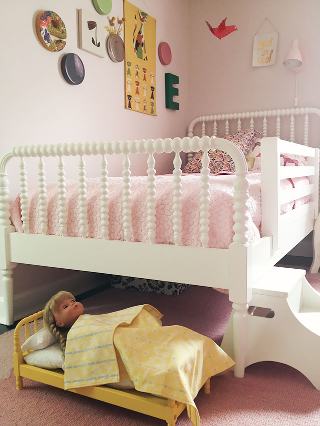 Mini and Full-Sized Jenny Lind Beds