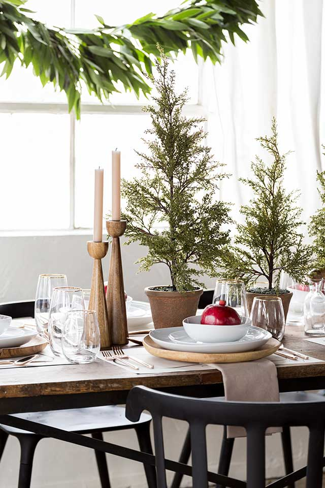 Design and Dine Holiday Tabletop Giveaway