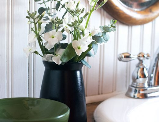 Bathroom Flowers Near the Sink #makingitlovely