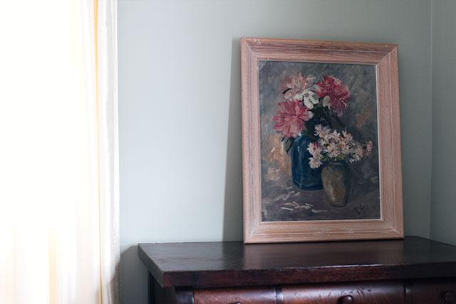 Sherwin-Williams Comfort Gray Paint in the Bedroom