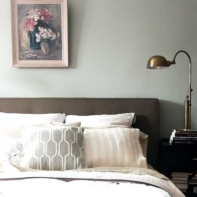 Vintage Painting Over the Bed | Making it Lovely