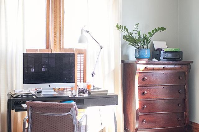 Making it Lovely's Desk - Before