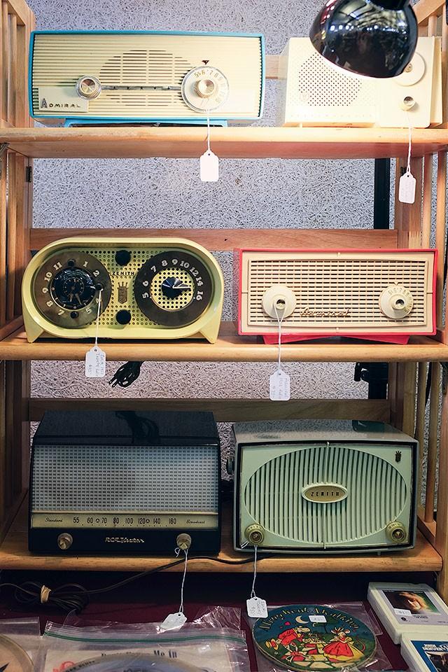 Vintage Radios at the Kane County Flea Market