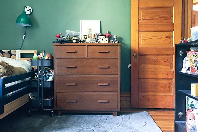 August's Dresser