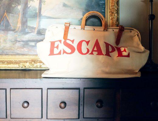 """Vintage """"ESCAPE"""" Bag"""