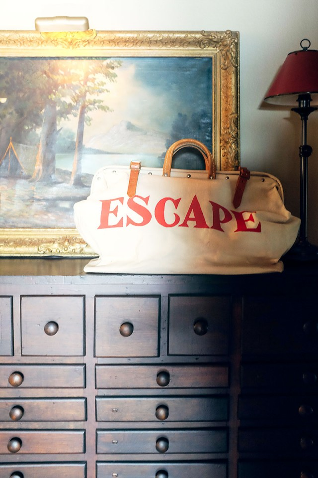 "Vintage ""ESCAPE"" Bag"