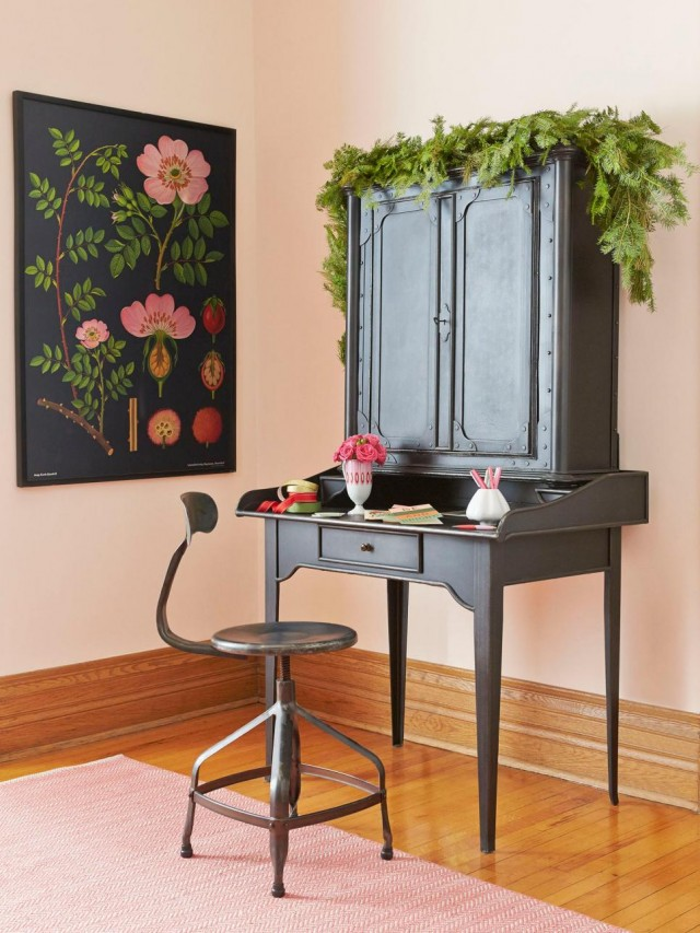 Making it Lovely's Secretary Desk in HGTV Magazine's Christmas 2015 Issue