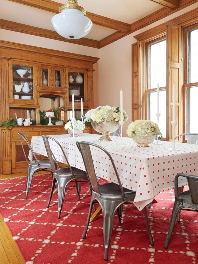 Making it Lovely's Dining Room in HGTV Magazine's Christmas 2015 Issue