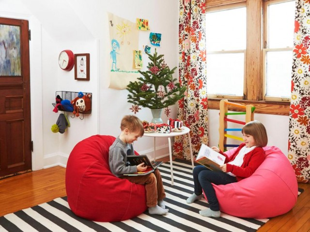 Making it Lovely's Playroom in HGTV Magazine's Christmas 2015 Issue