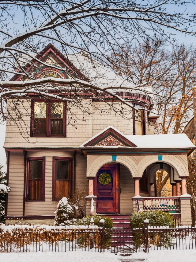 Making it Lovely's Victorian Home in HGTV Magazine's Christmas 2015 Issue