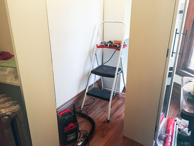 Installing the Closet System
