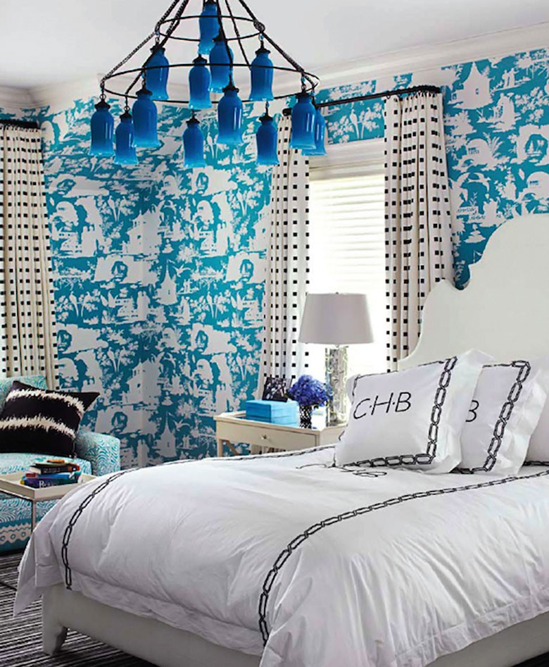 Sara Chandelier and Quadrille Wallpaper - House Beautiful