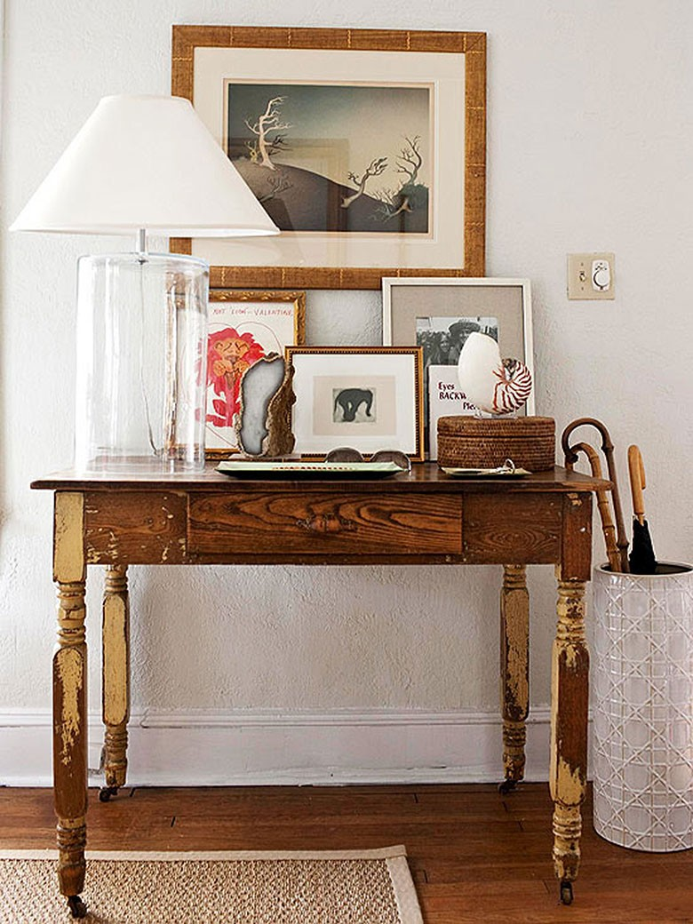 Vintage Entry Table Display ~ Choosing a console table and mirror for an entryway