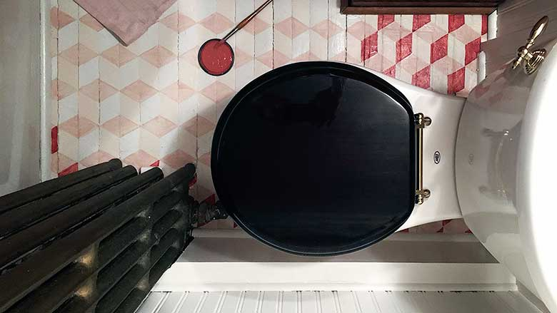 Painting a DIY Geometric Tumbling Blocks Floor Pattern in a Bathroom | Making it Lovely