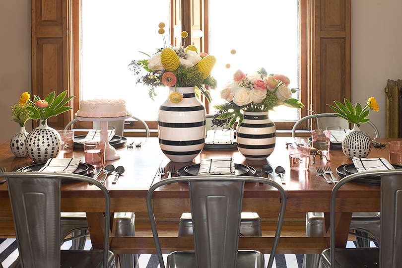 Dining Room Table Setting with Black and White Omaggio Vases from Unison Home | Making it Lovely