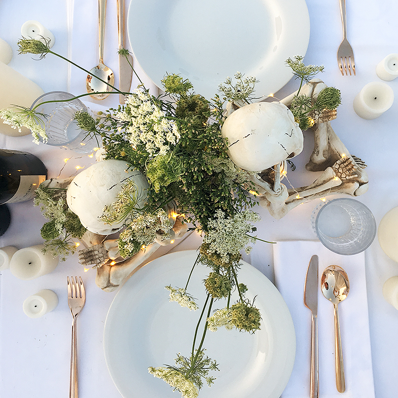 Dîner en Blanc Gothic White Table with Skeletons | Making it Lovely
