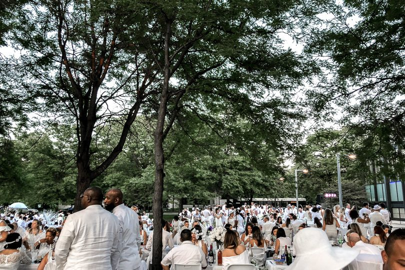 Chicago Dîner en Blanc 2018 - Attendees at IIT