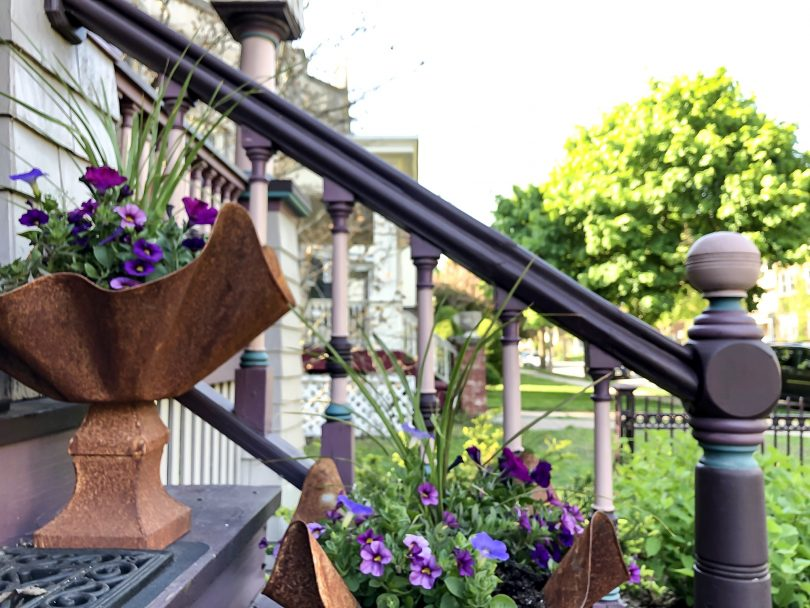 Scalloped Planters on a Victorian Porch | Making it Lovely